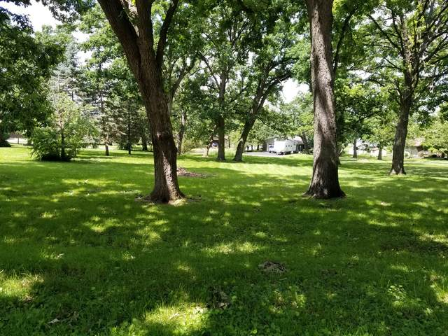 2330 Glenview Drive, Freeport, IL 61032 (MLS #11034805) :: Helen Oliveri Real Estate