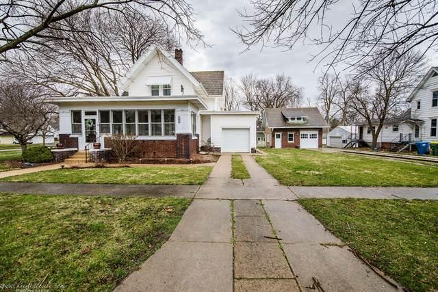 103 E Walnut Street, Lexington, IL 61753 (MLS #11035790) :: Helen Oliveri Real Estate