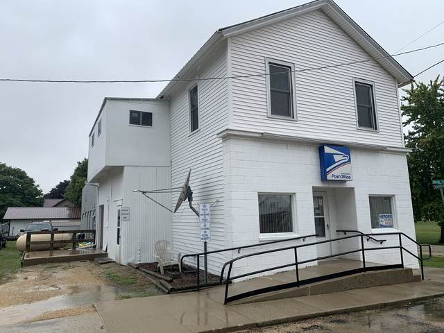300 Main Street, Chana, IL 61015 (MLS #11036506) :: Helen Oliveri Real Estate