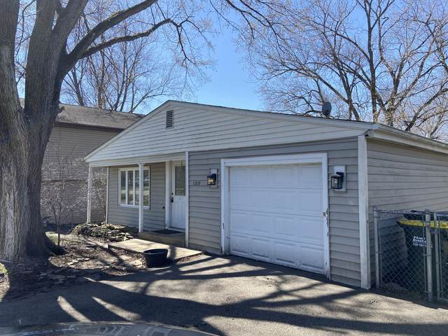 1109 Pine Street, Lake In The Hills, IL 60156 (MLS #11039895) :: RE/MAX IMPACT