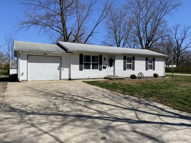 305 W Spruce Street, Paxton, IL 60957 (MLS #11040347) :: Helen Oliveri Real Estate