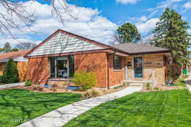 2325 Mayfair Avenue, Westchester, IL 60154 (MLS #11043197) :: RE/MAX IMPACT