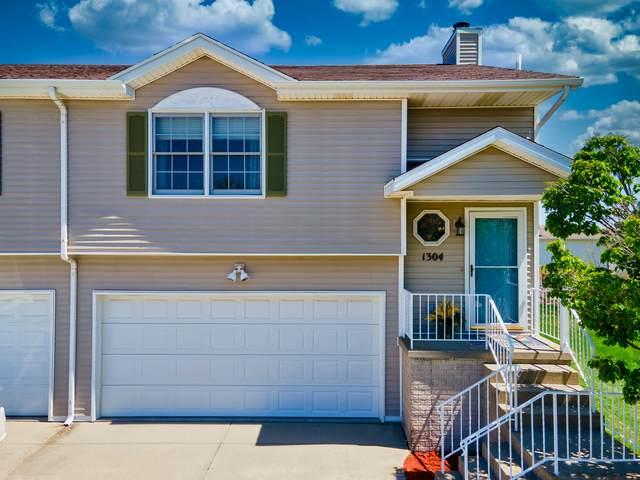 1304 Henry Street, Normal, IL 61761 (MLS #11043805) :: Helen Oliveri Real Estate