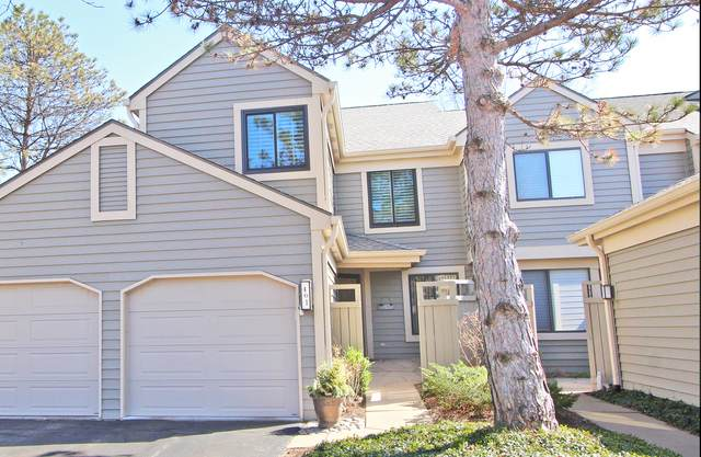 401 White Oak Lane #401, Lake Barrington, IL 60010 (MLS #11044517) :: Helen Oliveri Real Estate