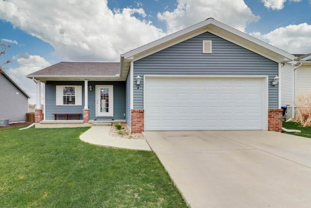 4 Barclay Court, Bloomington, IL 61705 (MLS #11044988) :: Helen Oliveri Real Estate