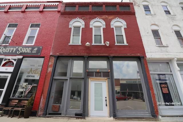 117 N Main Street, MOWEAQUA, IL 62550 (MLS #11045680) :: Helen Oliveri Real Estate