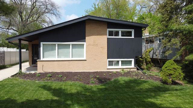 334 Forestway Drive, Northbrook, IL 60062 (MLS #11045732) :: Helen Oliveri Real Estate