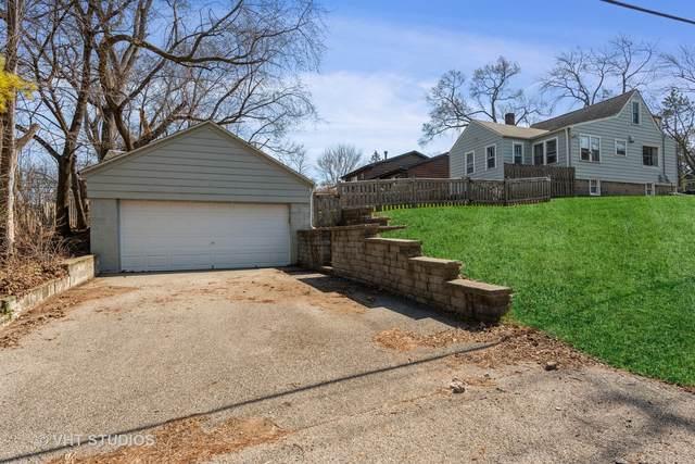 302 Forest Drive, Island Lake, IL 60042 (MLS #11046436) :: Helen Oliveri Real Estate
