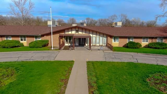 817 17th Street, Fulton, IL 61252 (MLS #11048214) :: Helen Oliveri Real Estate