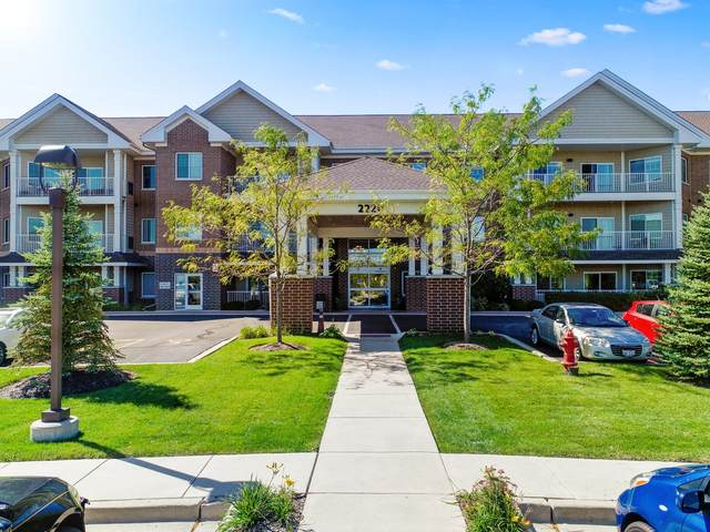 2220 Founders Drive #110, Northbrook, IL 60062 (MLS #11049362) :: Helen Oliveri Real Estate