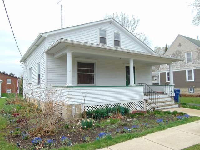 217 N Garfield Street, Hinckley, IL 60520 (MLS #11049762) :: The Perotti Group