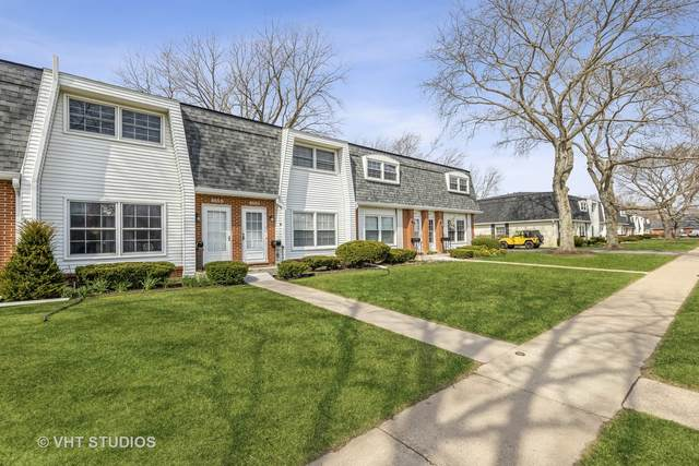 855 Country Club Drive D, Libertyville, IL 60048 (MLS #11050973) :: Helen Oliveri Real Estate