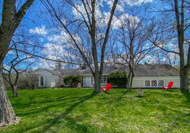 21 Lancaster Lane, Lincolnshire, IL 60069 (MLS #11051372) :: Angela Walker Homes Real Estate Group