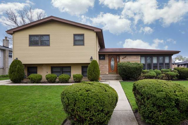 9433 Overhill Avenue, Morton Grove, IL 60053 (MLS #11051882) :: Helen Oliveri Real Estate