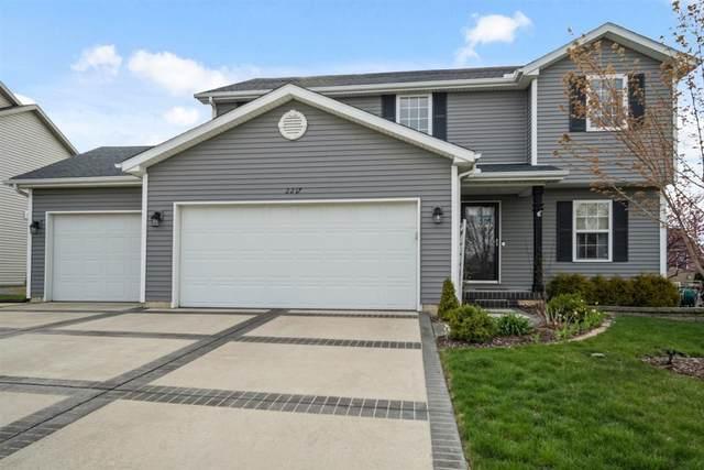2217 Savanna Road, Bloomington, IL 61705 (MLS #11052380) :: Helen Oliveri Real Estate