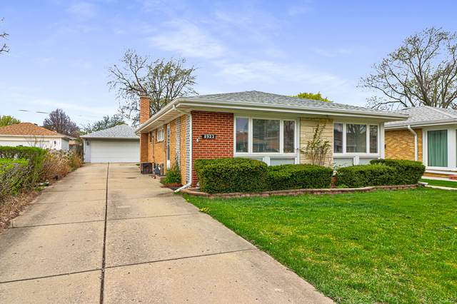 8922 National Avenue, Morton Grove, IL 60053 (MLS #11053153) :: Helen Oliveri Real Estate