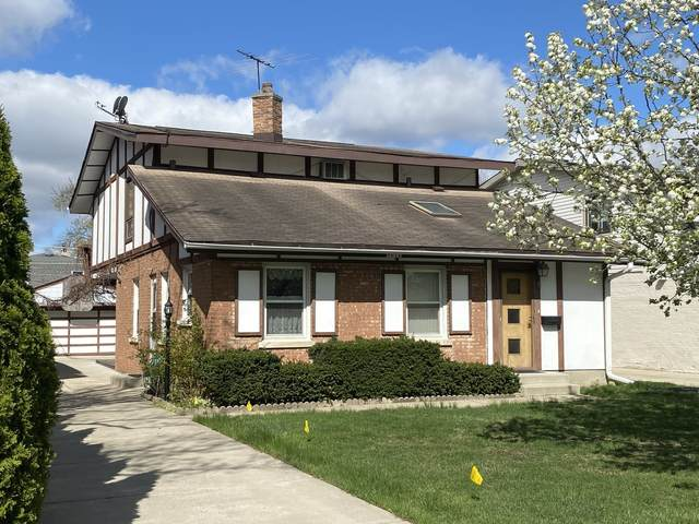 8212 N New England Avenue, Niles, IL 60714 (MLS #11053440) :: Helen Oliveri Real Estate