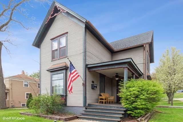 51 Center Street, Algonquin, IL 60102 (MLS #11053770) :: Helen Oliveri Real Estate