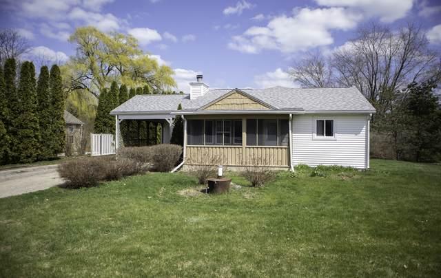 11323 3rd Avenue, Pleasant Prairie, WI 53158 (MLS #11055109) :: Littlefield Group