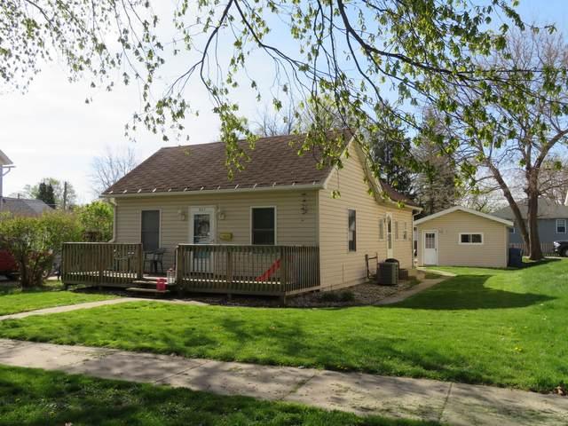 847-847 1/2 E Jefferson Street, Morris, IL 60450 (MLS #11056311) :: The Dena Furlow Team - Keller Williams Realty