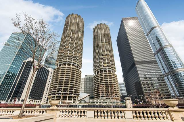 300 N State Street #4630, Chicago, IL 60654 (MLS #11056368) :: The Perotti Group
