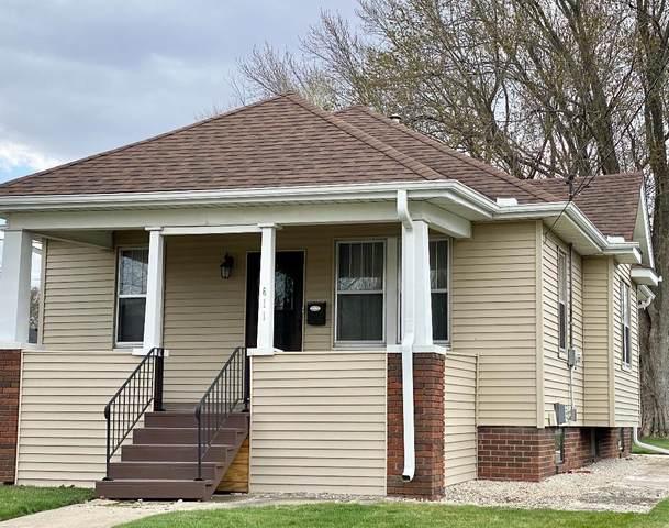 611 E Center Street, Ottawa, IL 61350 (MLS #11057344) :: Lewke Partners
