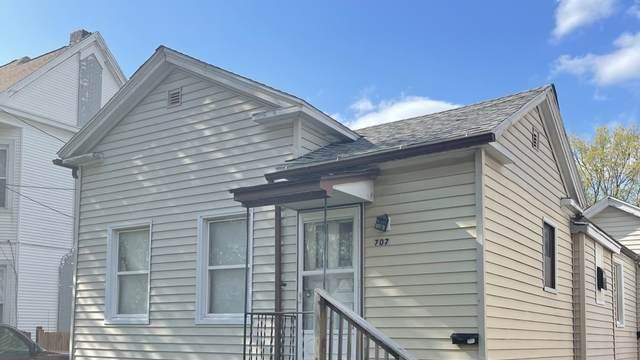 707 W Jefferson Street, Bloomington, IL 61701 (MLS #11057636) :: Lewke Partners