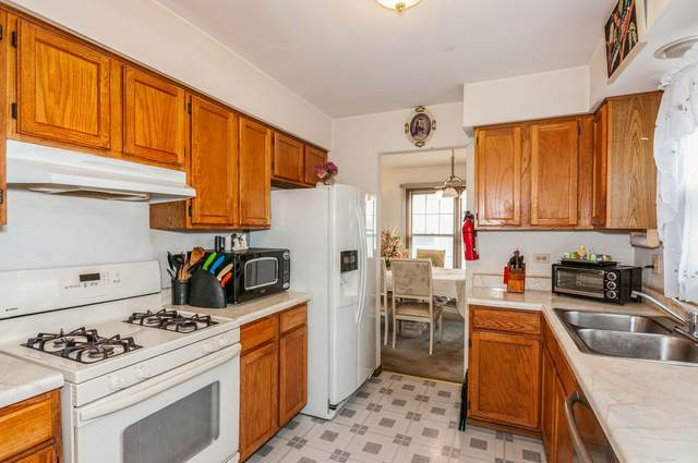 1950 S Valley Road, Lombard, IL 60148 (MLS #11057744) :: Helen Oliveri Real Estate