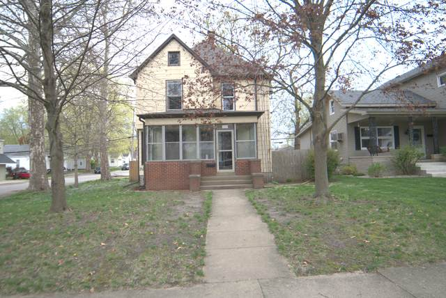620 E Main Street, CLINTON, IL 61727 (MLS #11057837) :: Lewke Partners