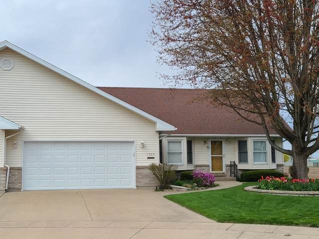 1005 Sunset Terrace, Rochelle, IL 61068 (MLS #11057906) :: RE/MAX IMPACT