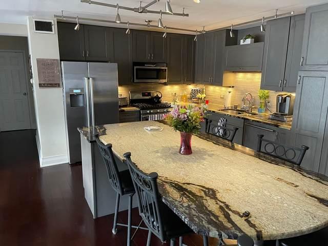850 N Dewitt Place 13AC, Chicago, IL 60611 (MLS #11058864) :: Touchstone Group