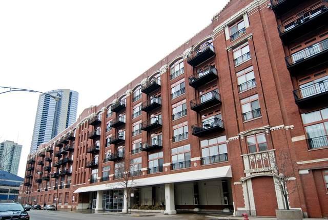 360 W Illinois Street #211, Chicago, IL 60654 (MLS #11060888) :: The Spaniak Team