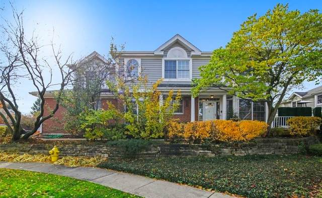 2S746 Lakeside Drive, Glen Ellyn, IL 60137 (MLS #11062114) :: RE/MAX IMPACT