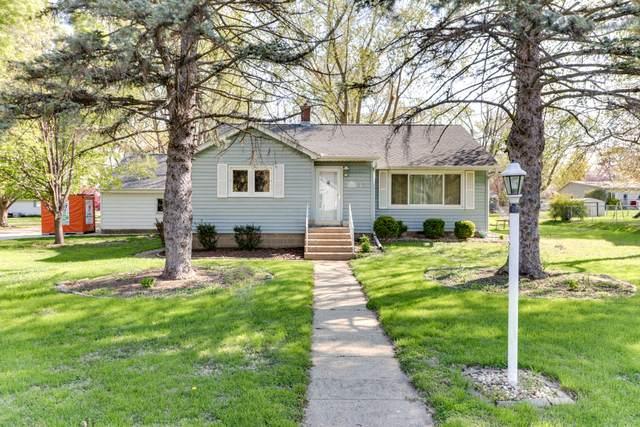 229 NW Jefferson Street, Hopedale, IL 61747 (MLS #11062420) :: Janet Jurich