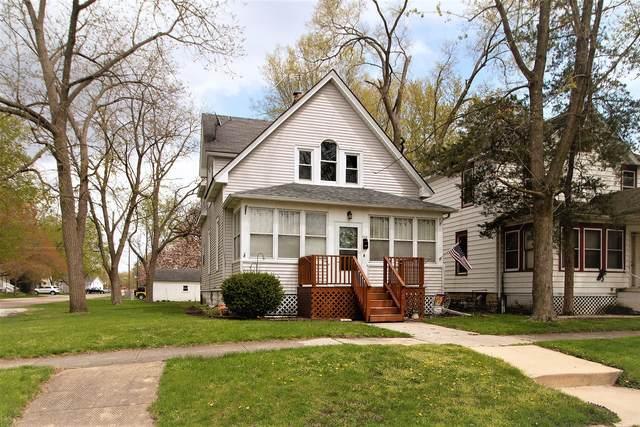 228 N Maple Street, Momence, IL 60954 (MLS #11062690) :: Helen Oliveri Real Estate