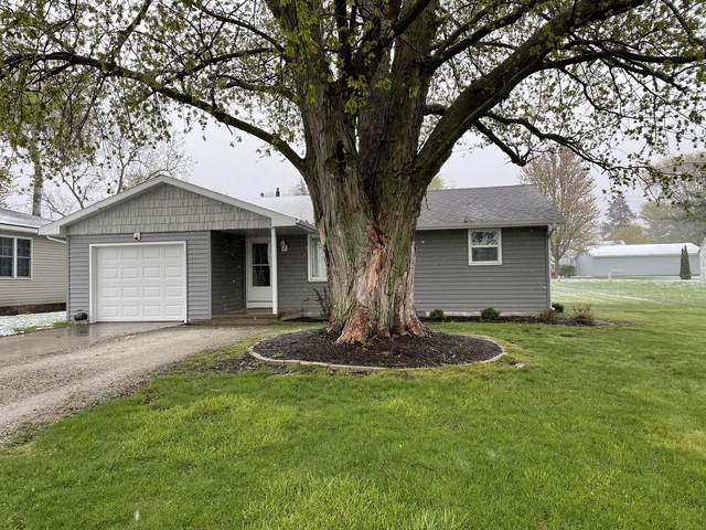 304 N Cherry Street, Crescent City, IL 60928 (MLS #11062706) :: Helen Oliveri Real Estate