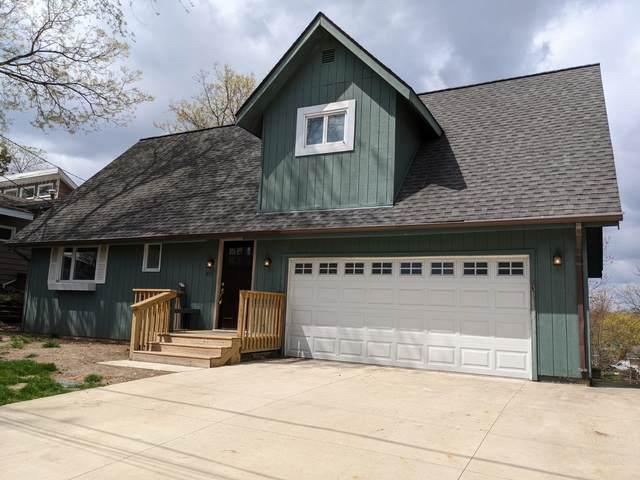 424 Castle Road, Mchenry, IL 60050 (MLS #11063055) :: Lewke Partners