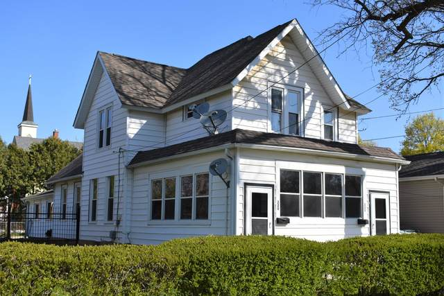 220 E Lincoln Avenue, Belvidere, IL 61008 (MLS #11063324) :: Carolyn and Hillary Homes