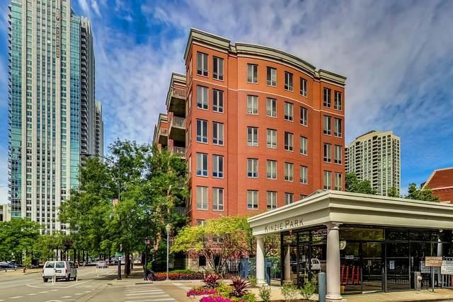 400 N Clinton Street #404, Chicago, IL 60654 (MLS #11069591) :: Helen Oliveri Real Estate