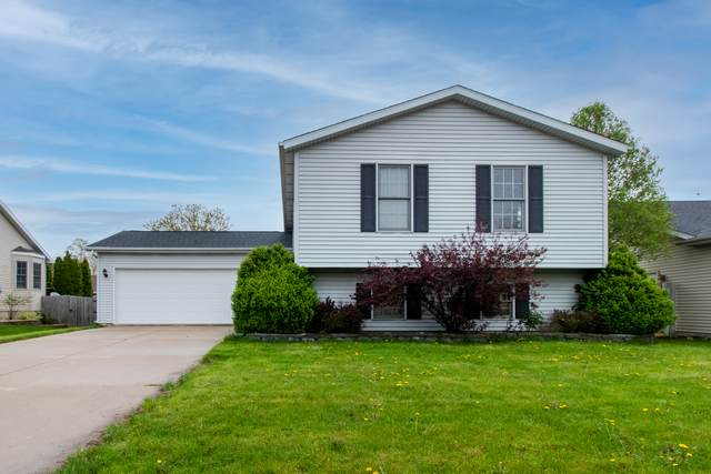 2720 Scarborough Street, Bloomington, IL 61705 (MLS #11069927) :: Helen Oliveri Real Estate