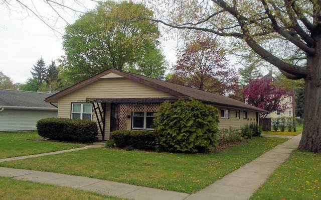 428 N 10th Street, Rochelle, IL 61068 (MLS #11070292) :: Carolyn and Hillary Homes