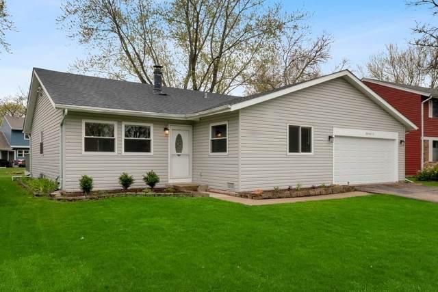 30W071 Glenhurst Court, Warrenville, IL 60555 (MLS #11070669) :: Helen Oliveri Real Estate