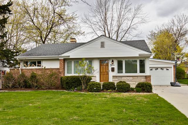1966 Thornwood Lane, Northbrook, IL 60062 (MLS #11070759) :: Helen Oliveri Real Estate