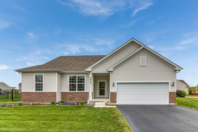 Yorkville, IL 60560 :: Carolyn and Hillary Homes