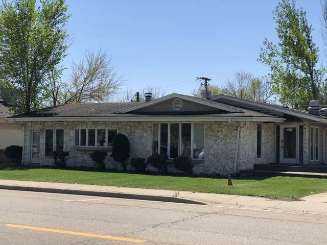 2724 4th Street, Peru, IL 61354 (MLS #11071872) :: Helen Oliveri Real Estate