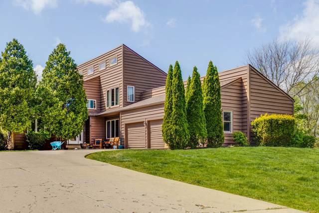 21766 Cambridge Drive, Kildeer, IL 60047 (MLS #11072285) :: Helen Oliveri Real Estate