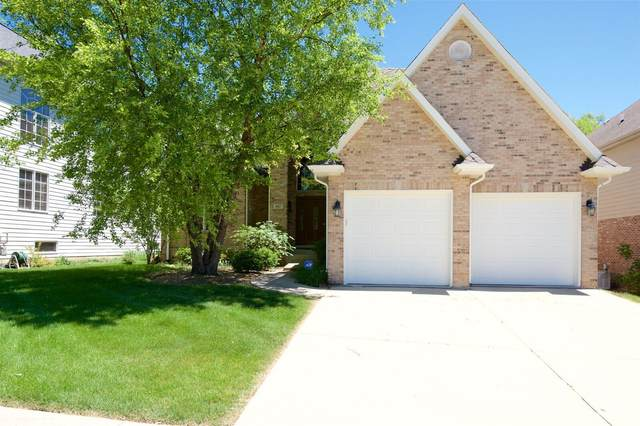 817 Shannon Lake Court, Westmont, IL 60559 (MLS #11073518) :: Littlefield Group