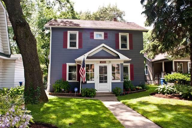 12906 Highland Avenue, Blue Island, IL 60406 (MLS #11073651) :: Touchstone Group