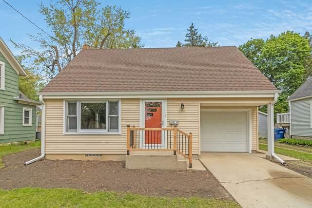 724 N 5th Street, Dekalb, IL 60115 (MLS #11073677) :: Helen Oliveri Real Estate