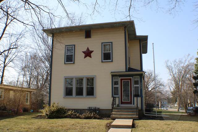 303 E Avenue, Rochelle, IL 61068 (MLS #11074396) :: Carolyn and Hillary Homes